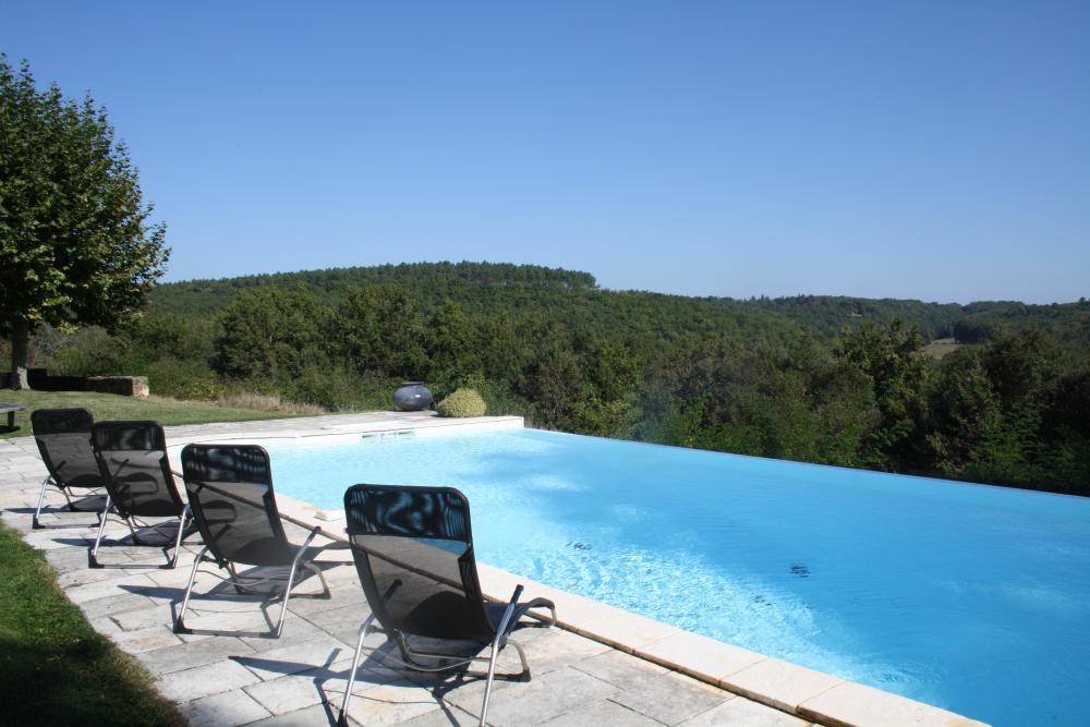 Location vacances dordogne perigord noir sarlat maisons for Piscine 18eme