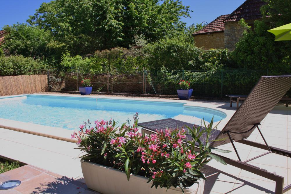 Delightful House With Private Pool And Garden In The Heart Of Pretty  Village Of Daglan. Shops, Restaurants And Weekly Market Within Easy Walking  Distance.