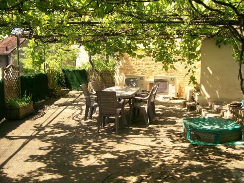 Terrasse Vigne Vierge : Location Domme Sarlat la Can u00e9da pour 6 personnes