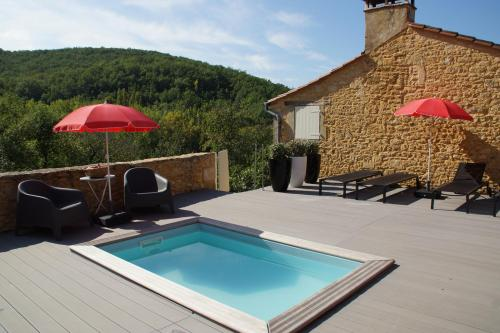 La treille haute maison basse is part of the proprety treille haute ref0077 fully independant it sleeps 6 guests and can be let on its own in mid