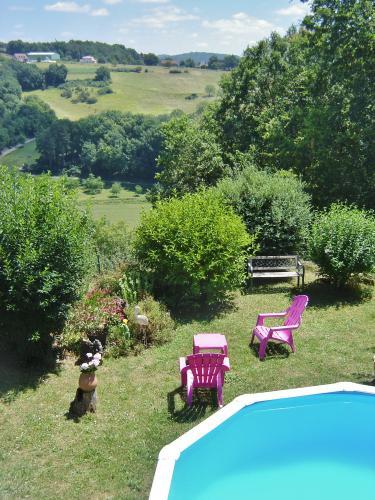 Location vacances dordogne perigord noir sarlat maisons for Jardin fleuri maison