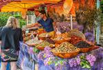 market day at St Cyprien (2 minutes walk!)