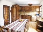 the large kitchen, perfectly fitted